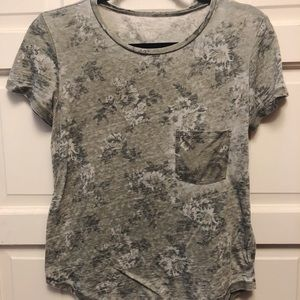 American Eagle Green floral Tee